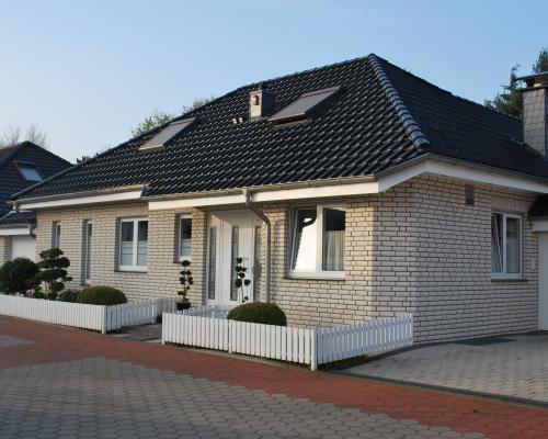 neubau eines bungalows moers utfort aip wohnen bautr ger gmbh. Black Bedroom Furniture Sets. Home Design Ideas